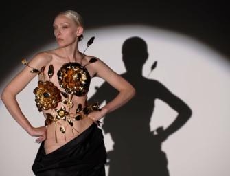 """Schiaparelli Haute Couture F/W 2022 : Daniel Roseberry presents """"The Matador"""""""